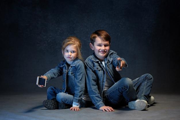 Grupo de crianças conceito de estúdio