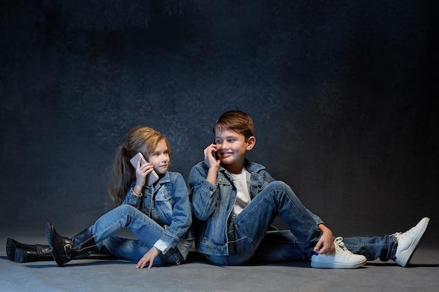 Grupo de crianças no conceito de estúdio