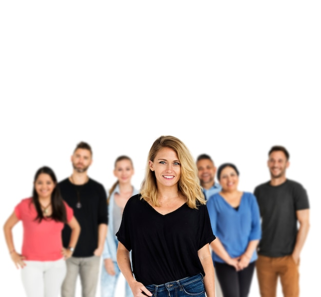 Grupo de diversidade adulto pessoas juntos conjunto studio isolado