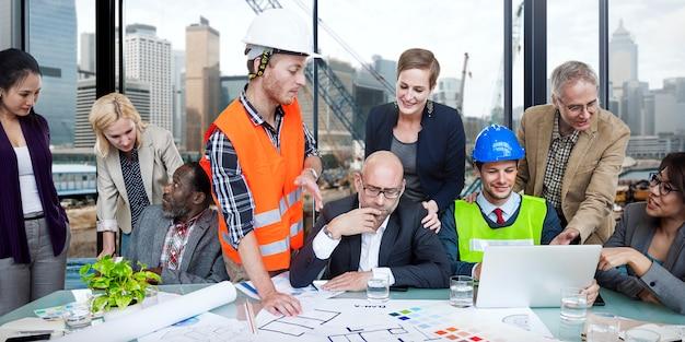 Grupo de engenheiros de construção de site