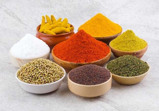 Grupo de especiarias indianas