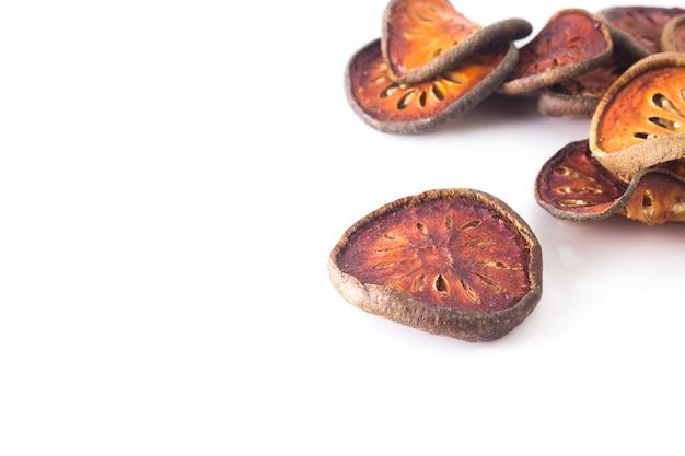 Grupo de frutas secas bael, cópia espaço
