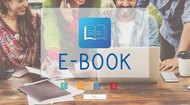 Grupo de indianos com sobreposição de ícone de livro Foto gratuita