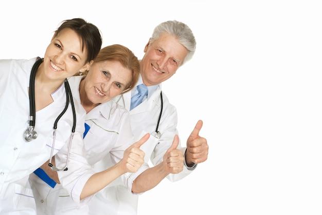 Grupo de médicos em um fundo branco