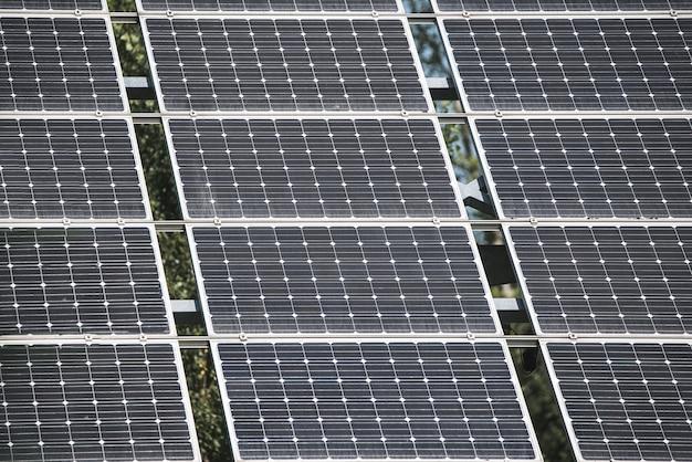 Grupo de painéis solares