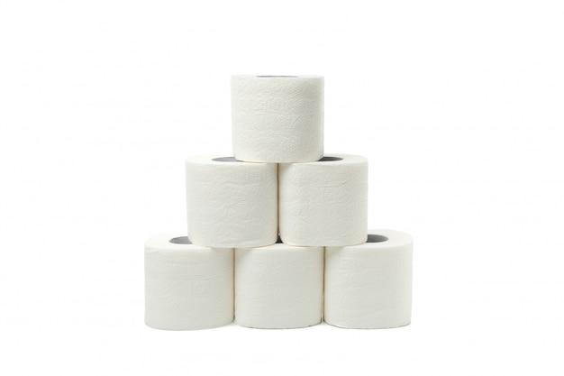 Grupo de papel higiênico isolado