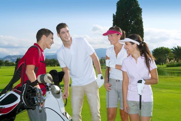 Grupo de pessoas de golfe grupo equipe de jovens jogadores