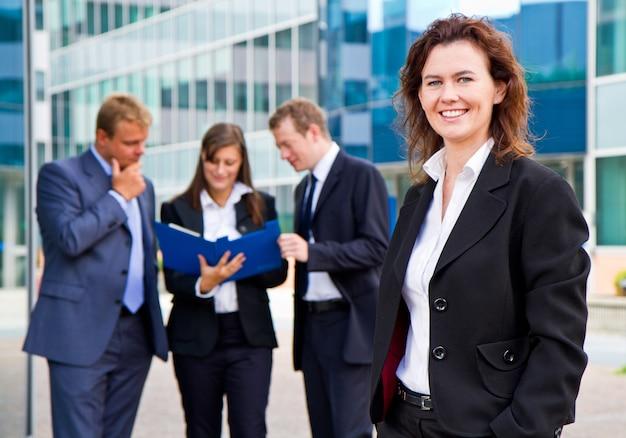 Grupo, de, pessoas negócio, com, executiva, líder