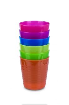 Grupo de vidro plástico multicolorido isolado