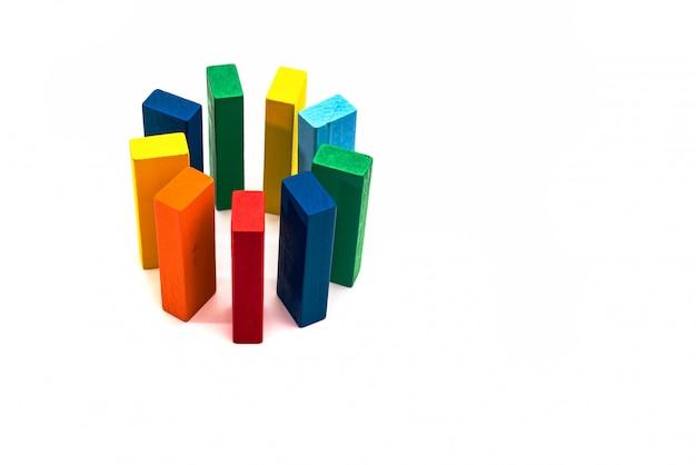 Grupo, diversidade, círculo de amigos, conceito unido. forma de círculo de bloco de madeira em backgound branco