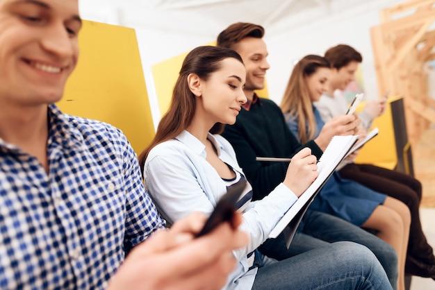 Grupo inteligente de jovens desenvolvedores estão testando dispositivo