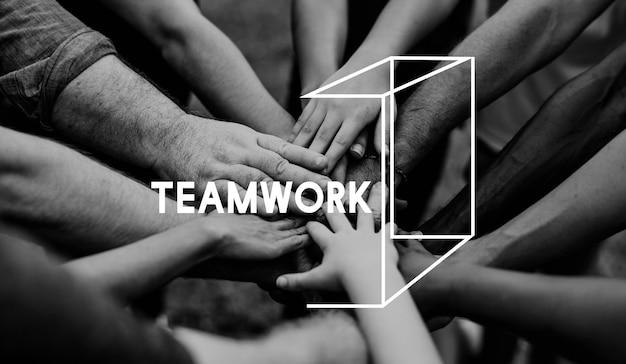 Grupo pessoas, segurando, mão, monte, togetherness
