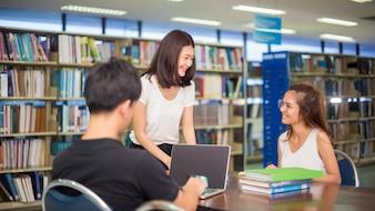 Grupos de educação, escola e conceito de pessoas