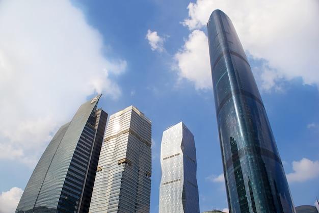 Guangzhou, china-nov.22, 2015: edifícios modernos. buildin moderno