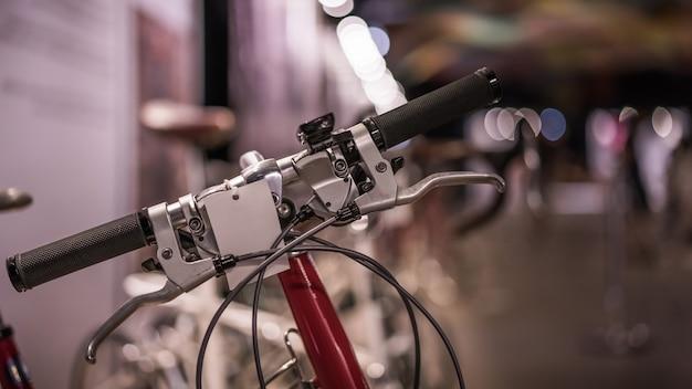 Guiador de bicicleta preta
