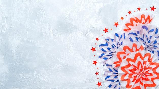 Guirlanda de papel de scrapbook patriótico fogos de artifício