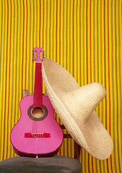 Guitarra de charro mexicano chapéu rosa