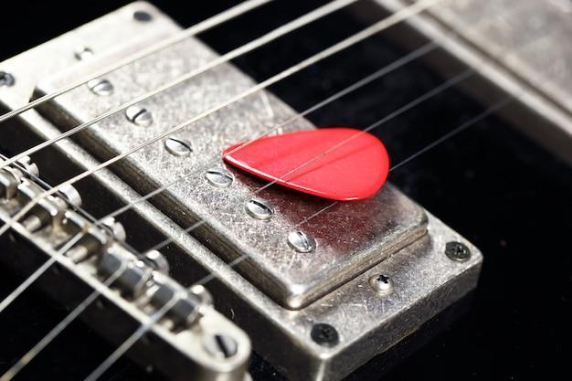Guitarra elétrica de seis cordas