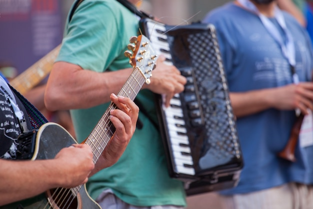 Guitarrista, durante, a, rua, concerto