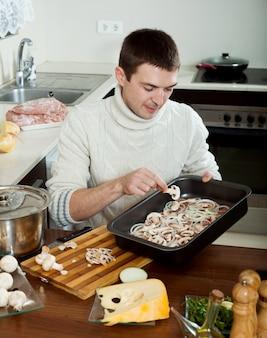Guy cozinhar carne de estilo francês
