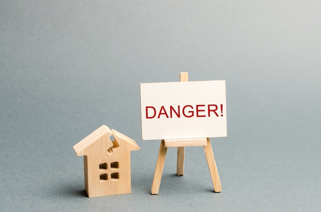 Habitação surrada. perigo de inscrição.
