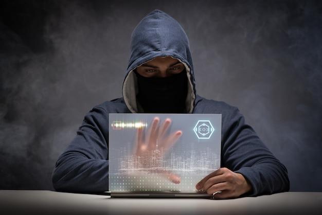 Hacker jovem no conceito de segurança de dados