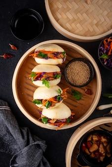 Hambúrguer asiático gua bao taiwanês