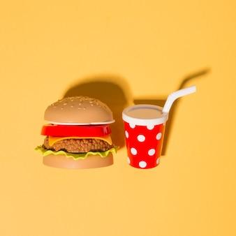 Hambúrguer com bebida