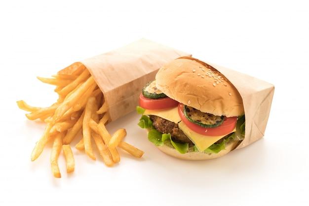 Hambúrguer de carne com batata frita