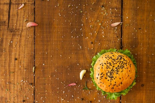 Hambúrguer de cópia-espaço