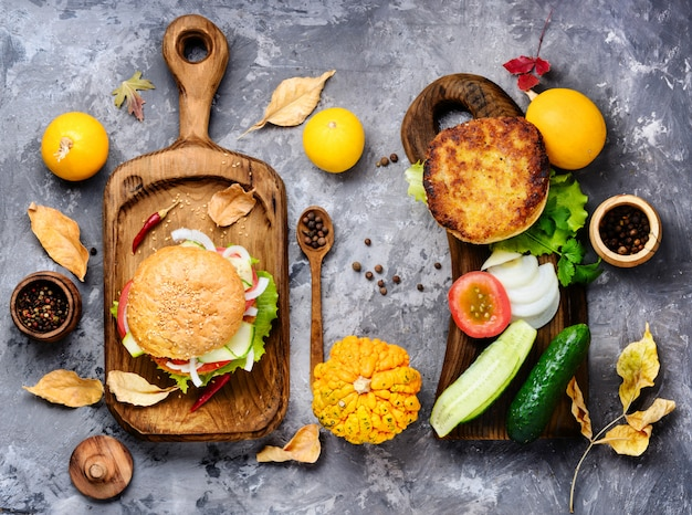 Hambúrguer de dieta com legumes