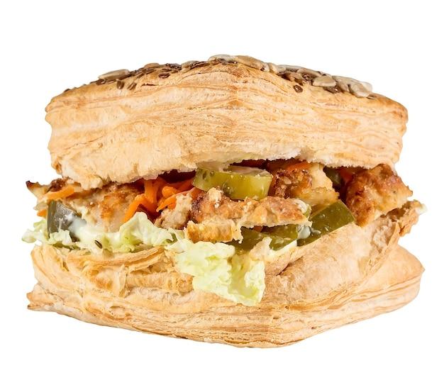 Hambúrguer delicioso isolado em uma superfície branca.