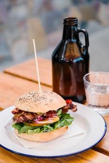 Hambúrguer e bacon