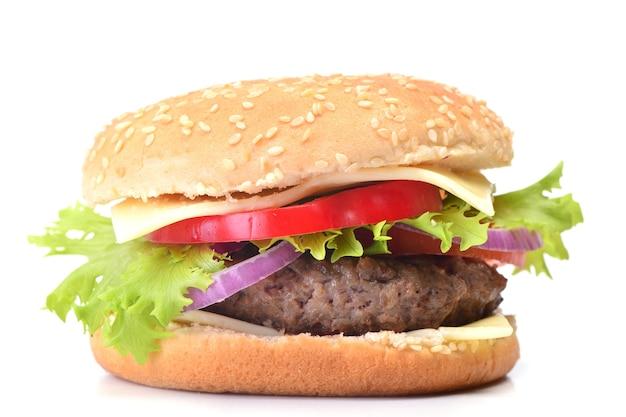 Hambúrguer fresco em um fundo branco