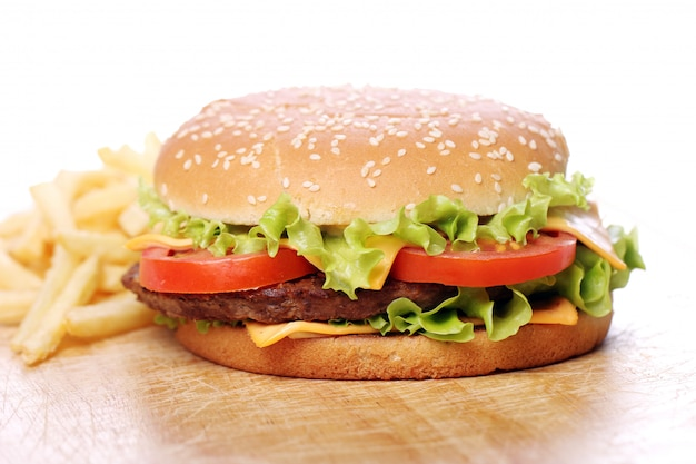 Hambúrguer grande e saboroso