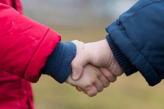 Handshake das crianças