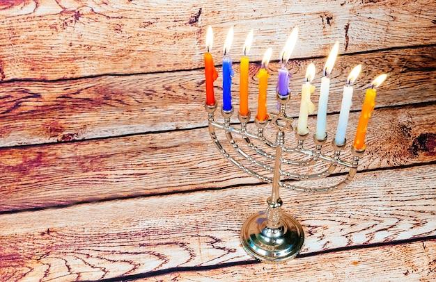 Hanukkah com menorá tradicional