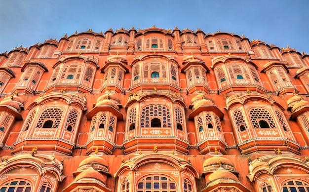 Hawa mahal ou palácio dos ventos em jaipur rajasthan, índia