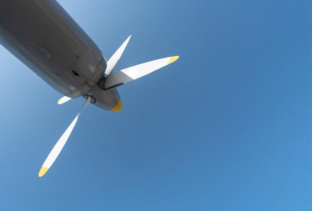 Hélice de avião de avião militar