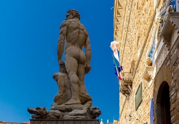 Hércules e caco em florença, itália