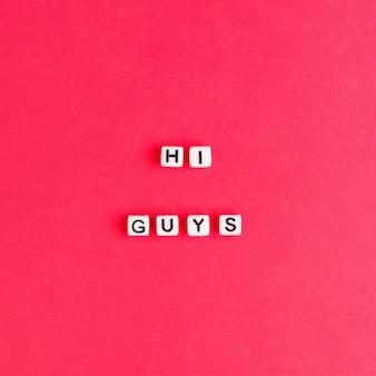 Hi guys miçangas palavra tipografia em vermelho