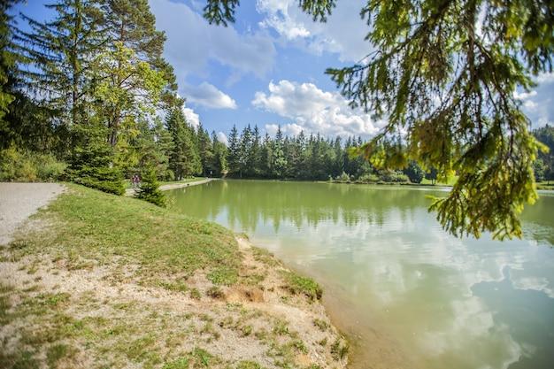 Hija glamping lake bloke em nova vas, eslovênia