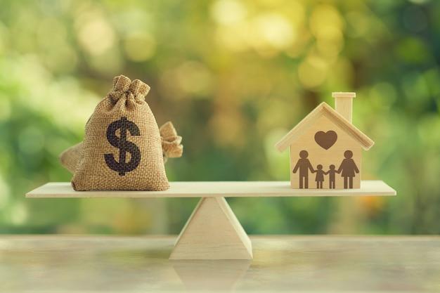 Hipoteca da casa e conceito de gestão financeira familiar:
