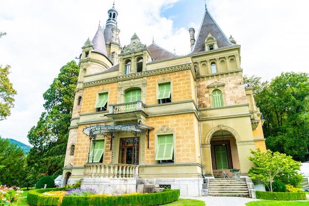 História do museu nacional do castelo de hunegg na suíça