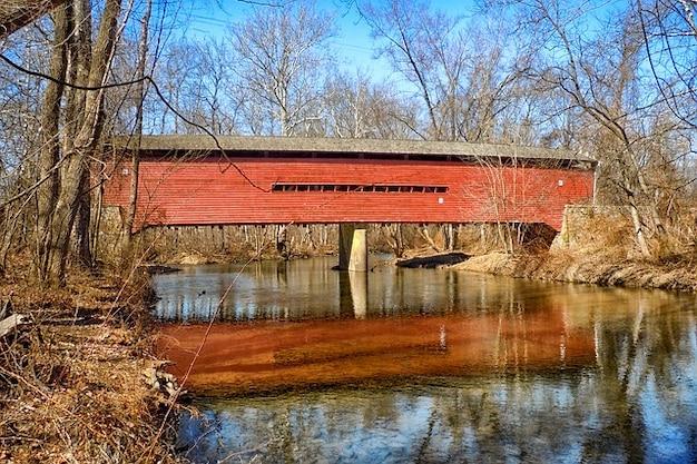 Histórico pensilvânia madeira coberta ponte marco
