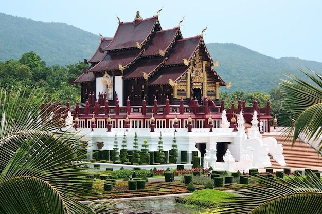 Ho kham luang edifício de estilo tailandês do norte, tailândia