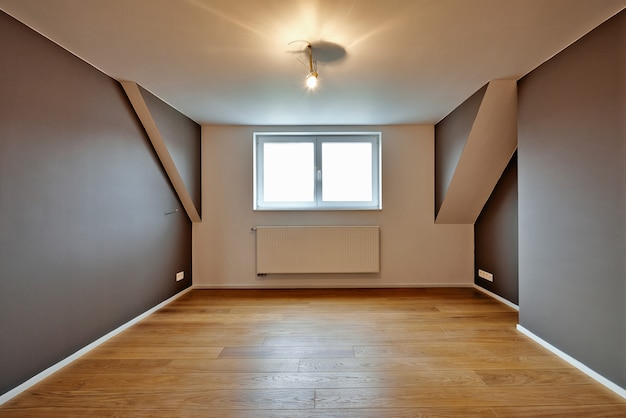 Home interior com belos pisos de madeira quentes