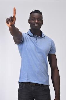 Homem africano, com, dedo, em, a, forma, de, numere um