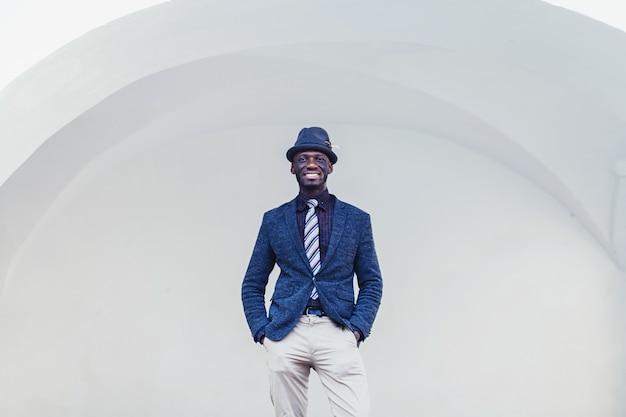 Homem africano, em, paleto