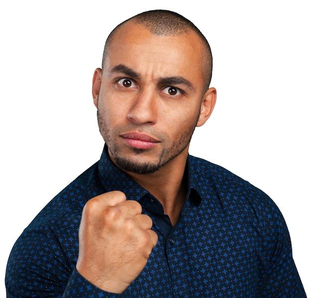 Homem afro-americano irritado